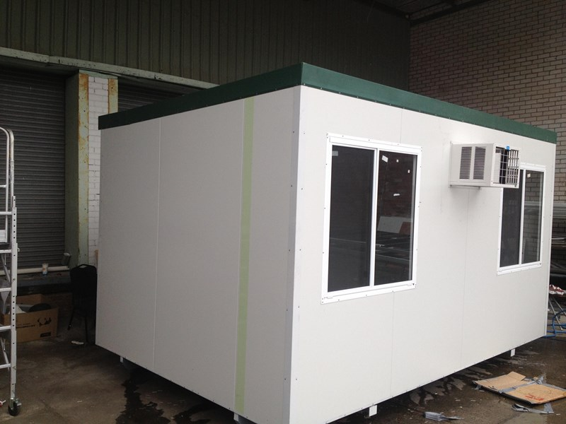 e i group portables 4.8m x 3m portable building with vanity 132240 001