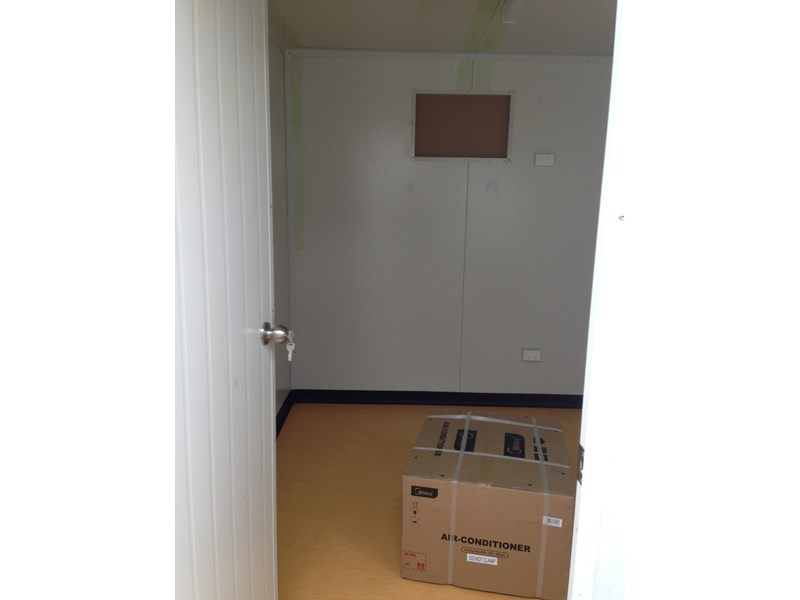 e i group portables 12m x 3m five room fully optioned 371509 004