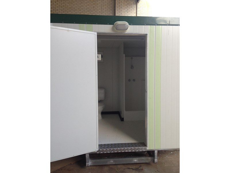 e i group portables 2.4m x 2.4m shower/ toilet 371555 001