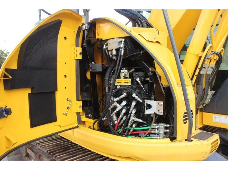 new holland e140c 267912 021