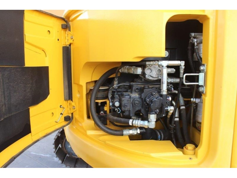 new holland e140c 267912 022