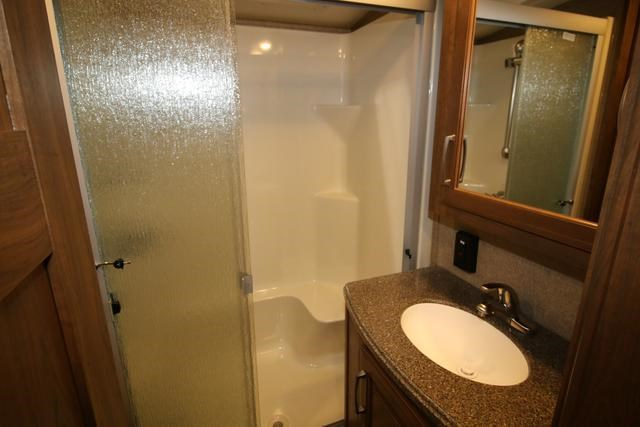 keystone montana 2 bedroom 373069 005
