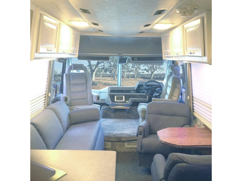 winnebago industries spectrum 2000 250301 002