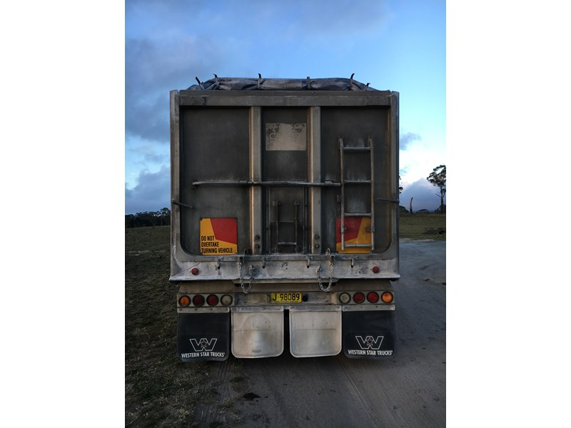 tefco 3 axle aluminium dog tipping trailer 373999 003