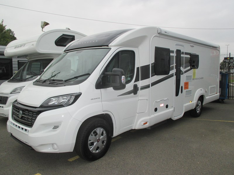 swift bessacarr 494 motor home 373644 001