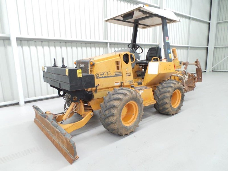 case 560 trencher 376046 003
