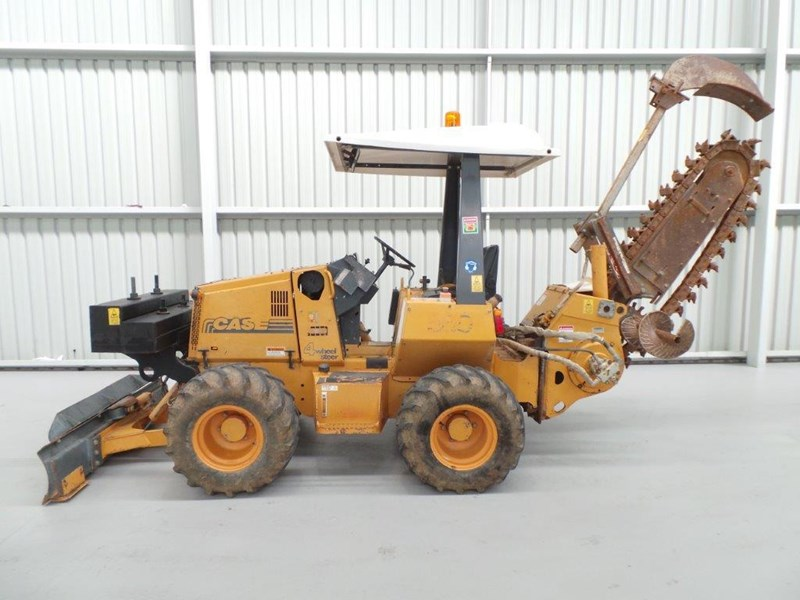 case 560 trencher 376046 002
