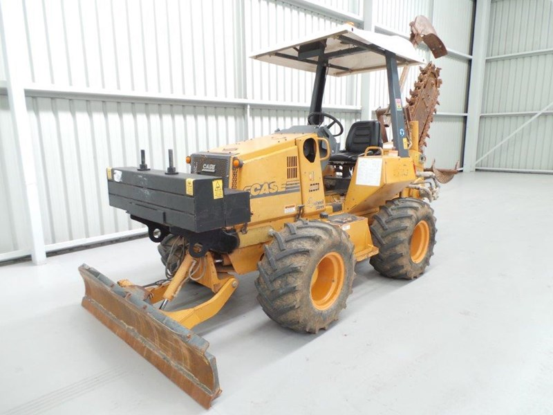 case 560 trencher 376046 001