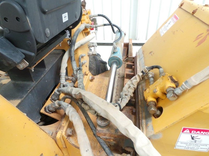 case 560 trencher 376046 012