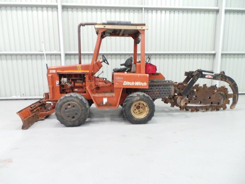 ditch witch 5110dd ride on trencher 376558 004