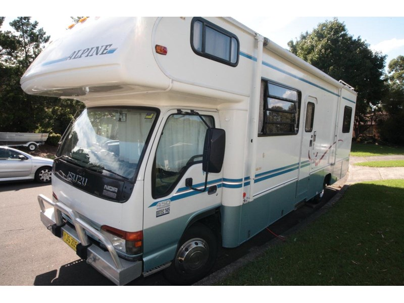 winnebago industries alpine 2855 378379 001