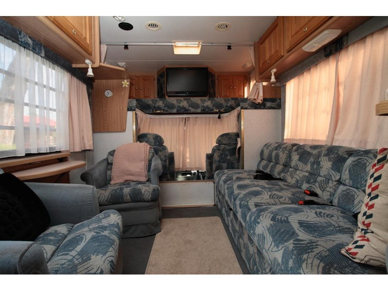 winnebago industries alpine 2855 378379 007