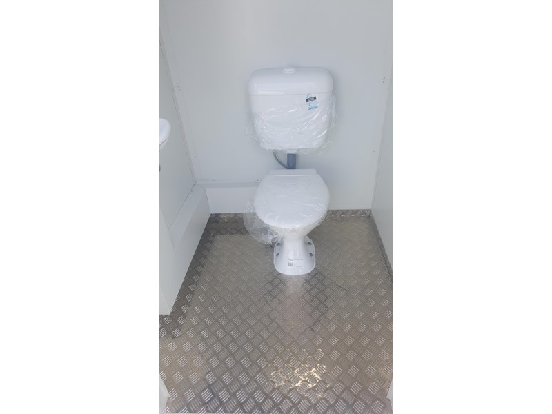 e i group portables 1.2 x 1.2 sewer connect single toilet. 132235 005