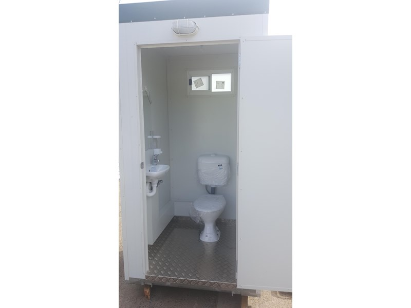 e i group portables 1.2 x 1.2 sewer connect single toilet. 132235 006