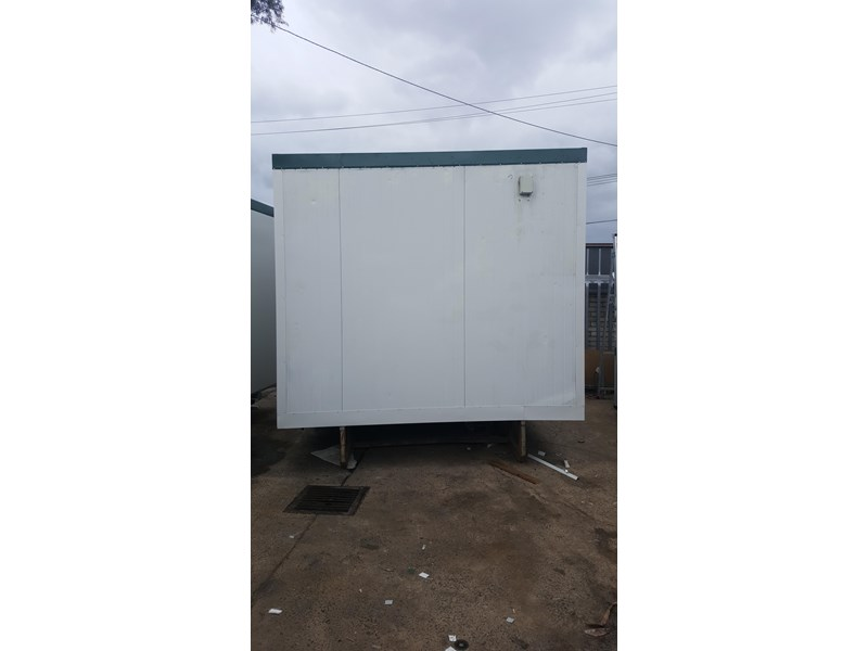 e i group portables used 3.6m x 3m ablution 378368 002