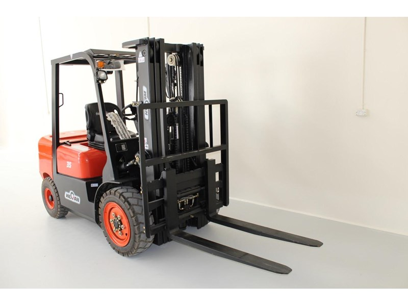 wecan forklift with 3 stage mast container 378369 003