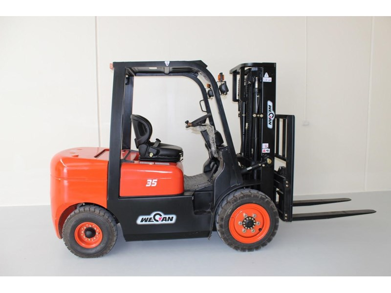wecan forklift with 3 stage mast container 378369 001