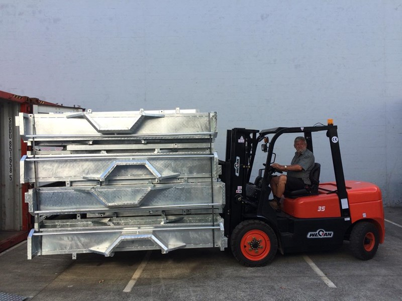 wecan forklift with 3 stage mast container 378369 020