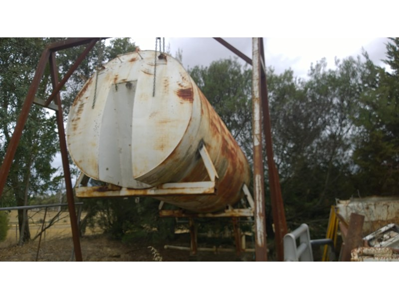 slip in water tank 379109 001