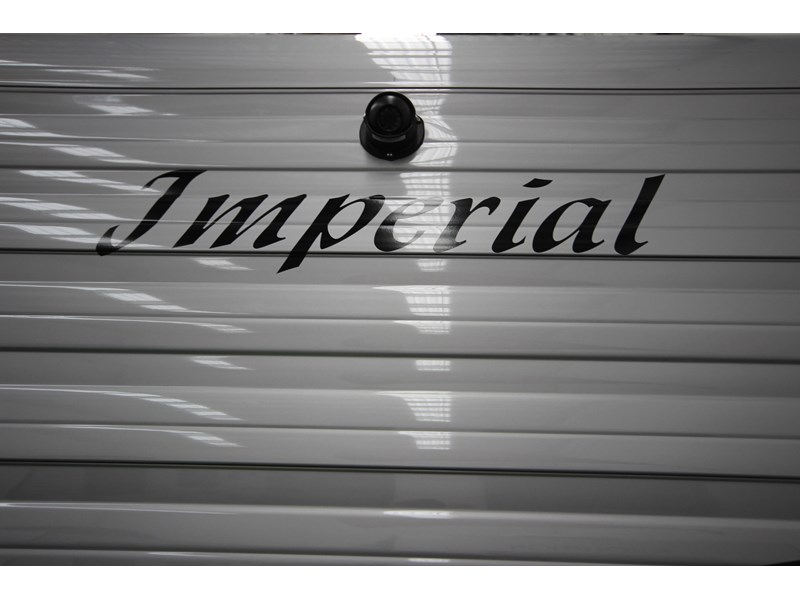 imperial crown 21'6'' 379374 008