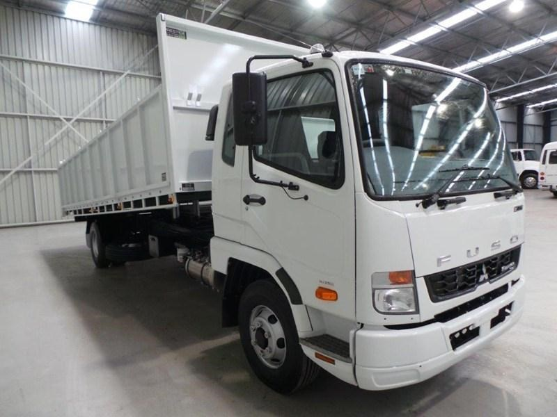 fuso fighter 1024 379571 006