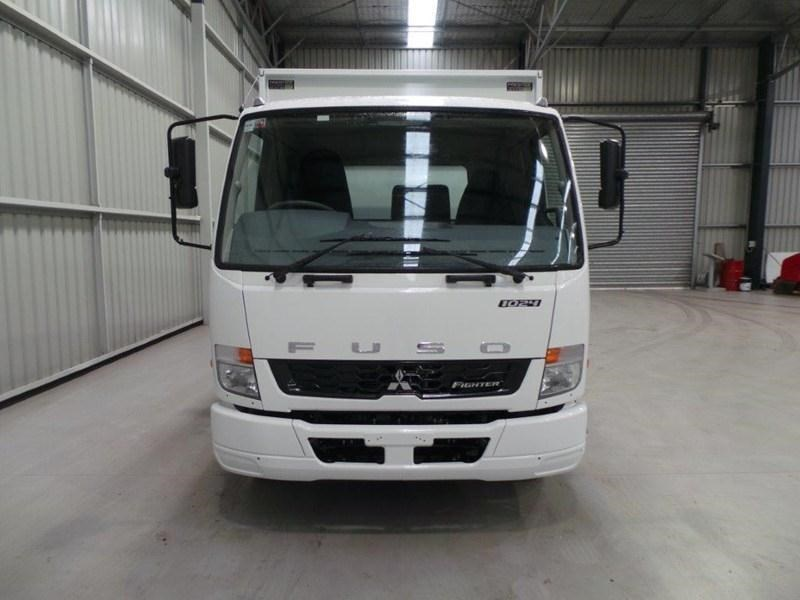 fuso fighter 1024 379573 007
