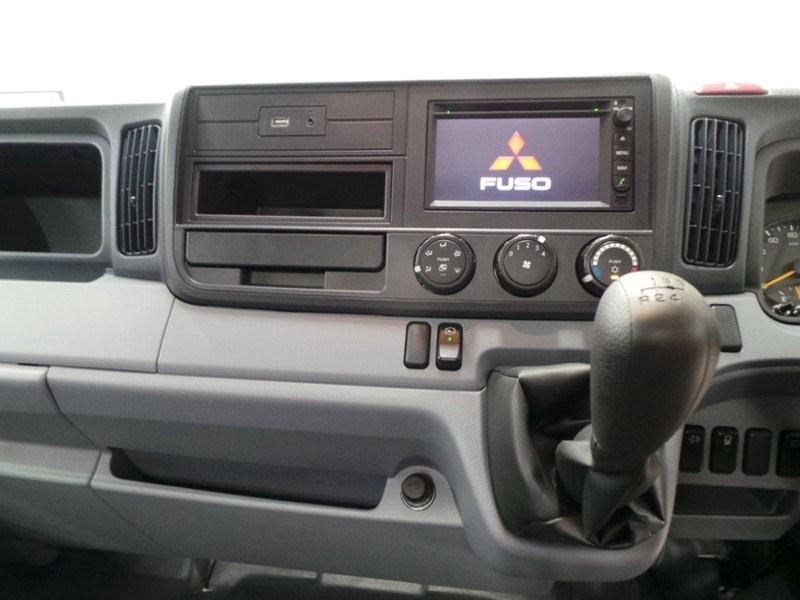 fuso canter 515 wide cab 379610 016