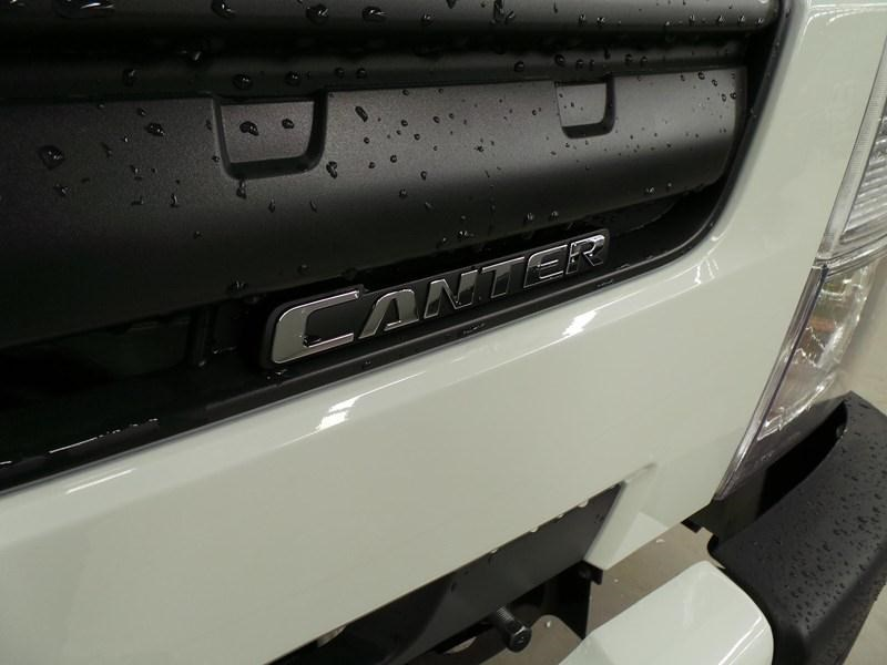 fuso canter 515 wide cab 379642 009