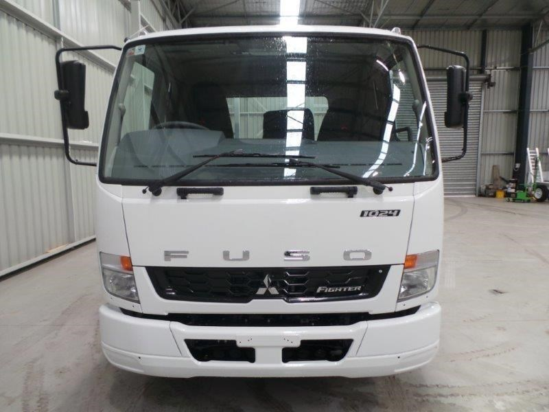 fuso fighter 1024 380077 007