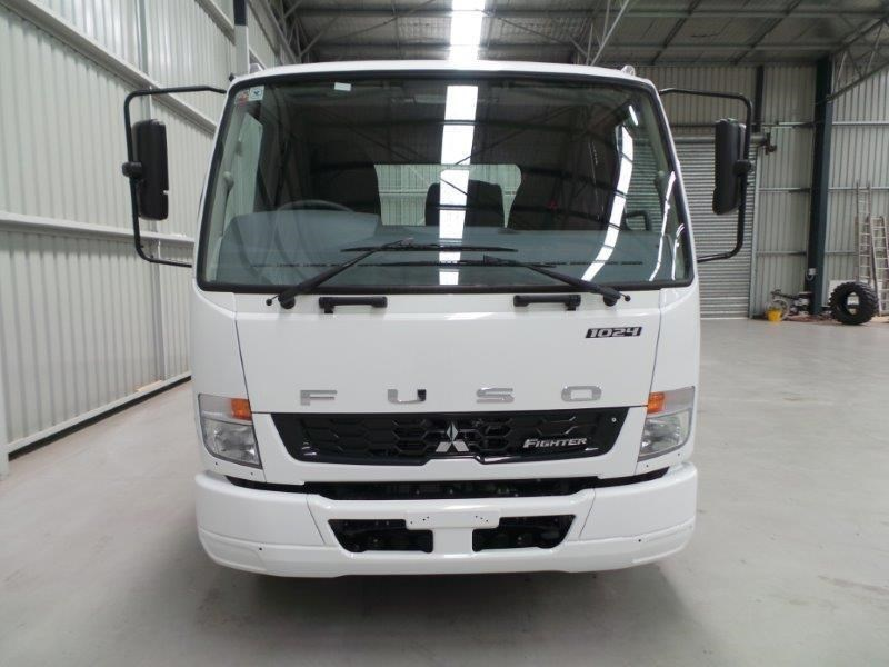 fuso fighter 1024 380330 007