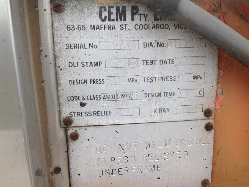 cem triaxle stainless insulated gas tanker 151171 007
