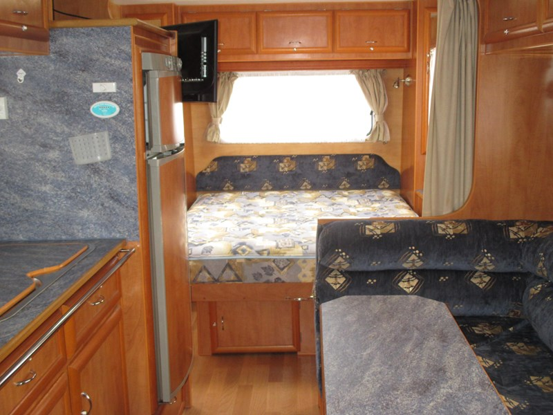 golden eagle escape family van ...sold...2008 model with shower and toilet 380649 003