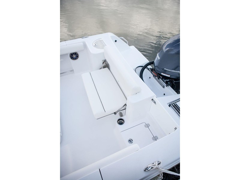 sportsman 232 center console 381281 013