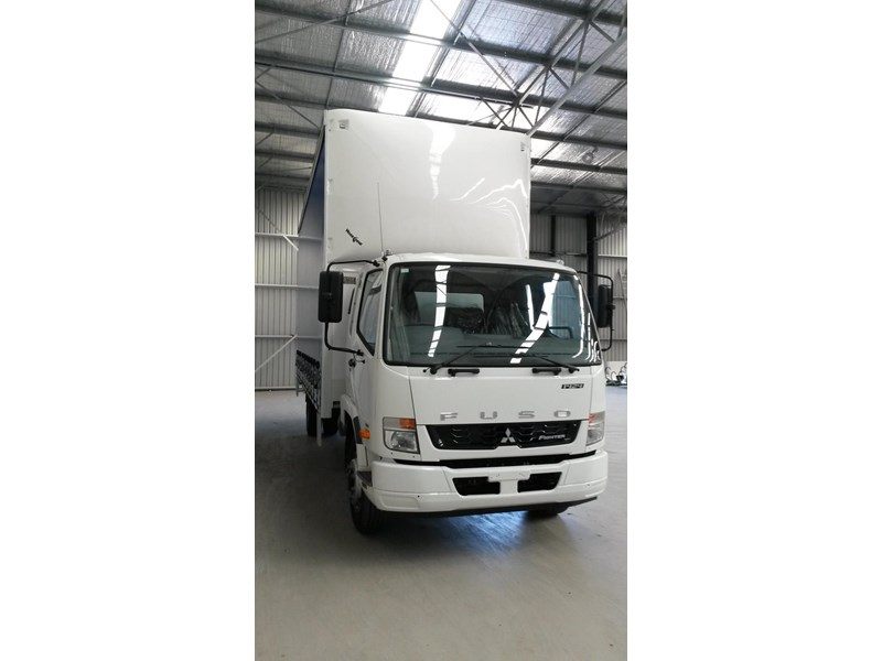 fuso fighter 1424 381468 002