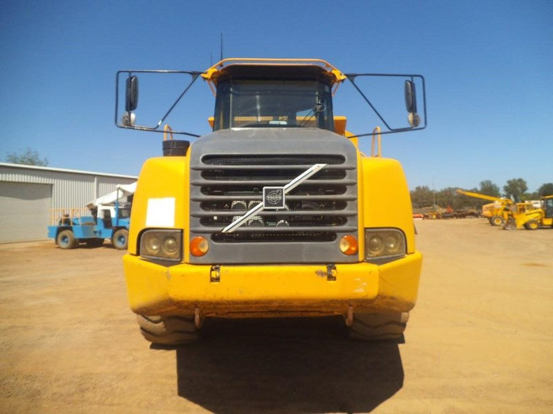 volvo a40d 381592 008