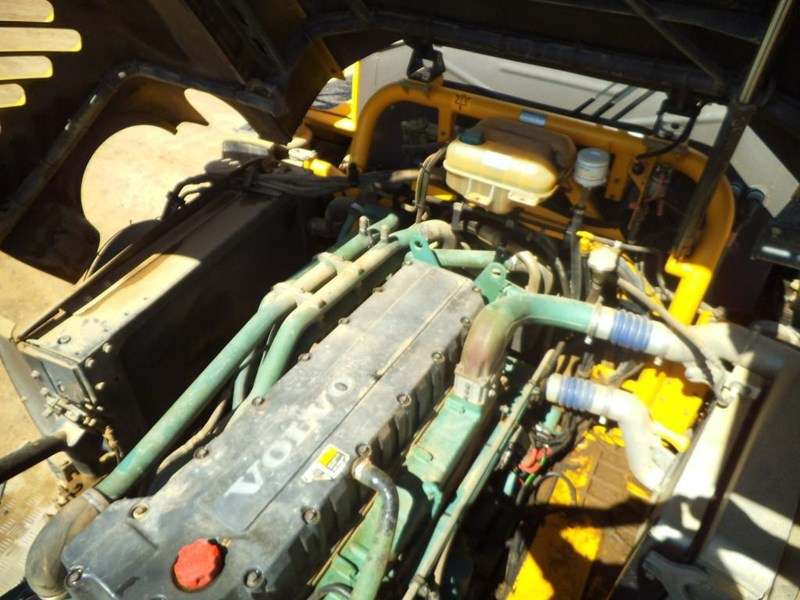 volvo a40d 381592 012
