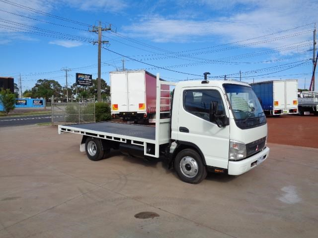 fuso canter 3.5t 382677 001