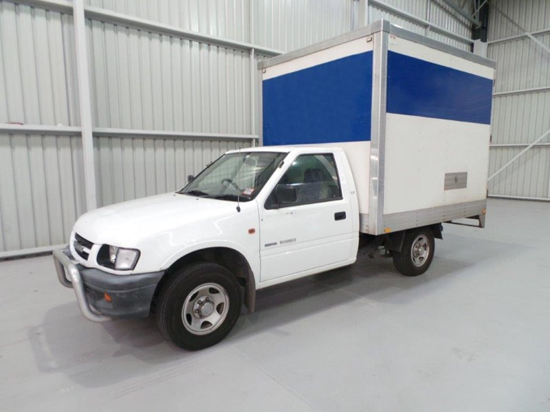 holden rodeo 383010 001