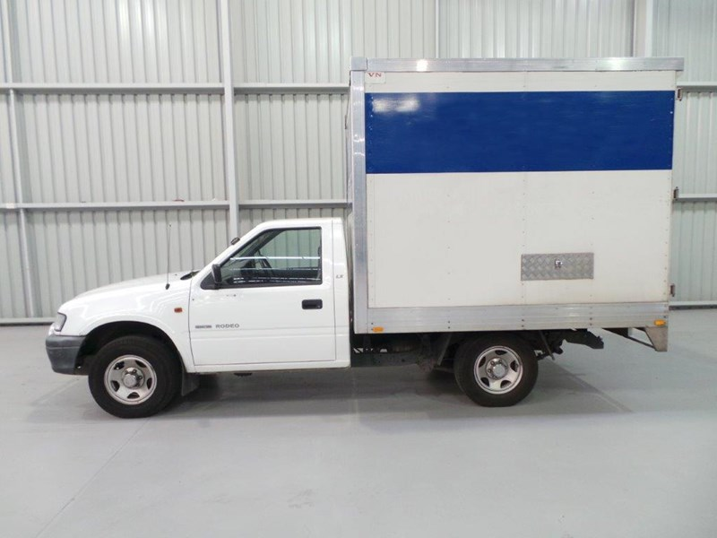 holden rodeo 383010 002