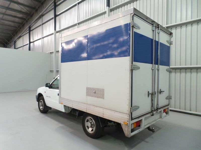 holden rodeo 383010 003
