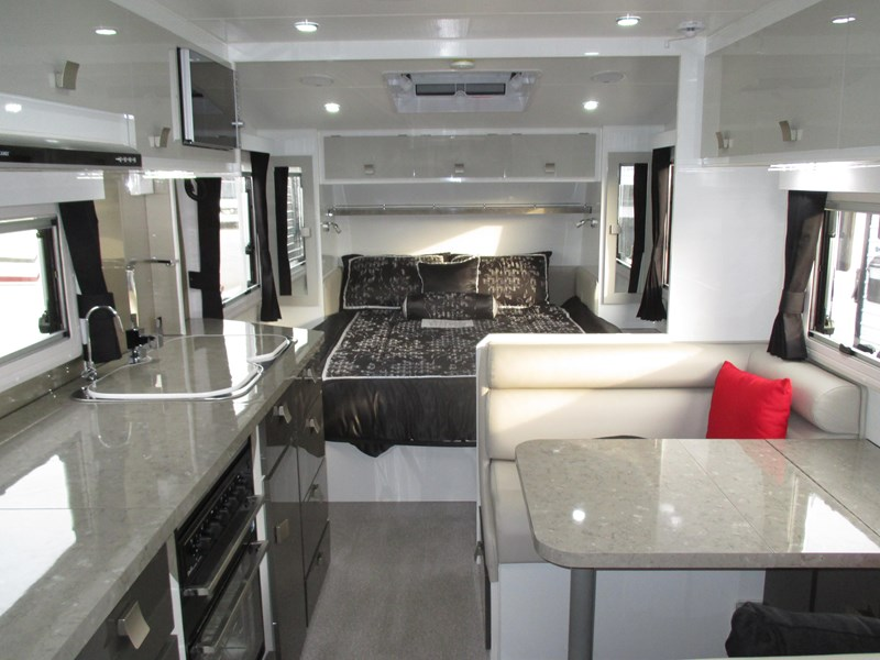 traveller intrigue 21' with full ensuite 383156 004