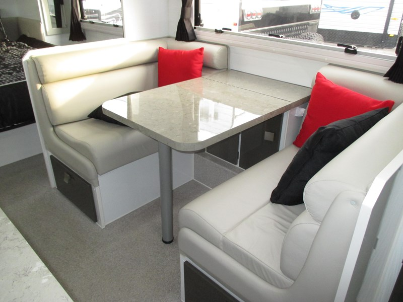 traveller intrigue 21' with full ensuite 383156 006
