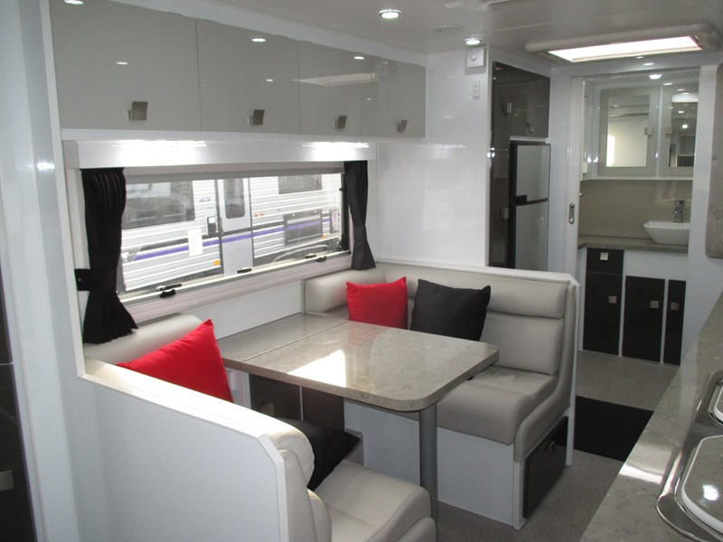 traveller intrigue 21' with full ensuite 383156 007