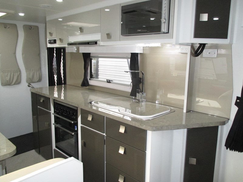 traveller intrigue 21' with full ensuite 383156 008