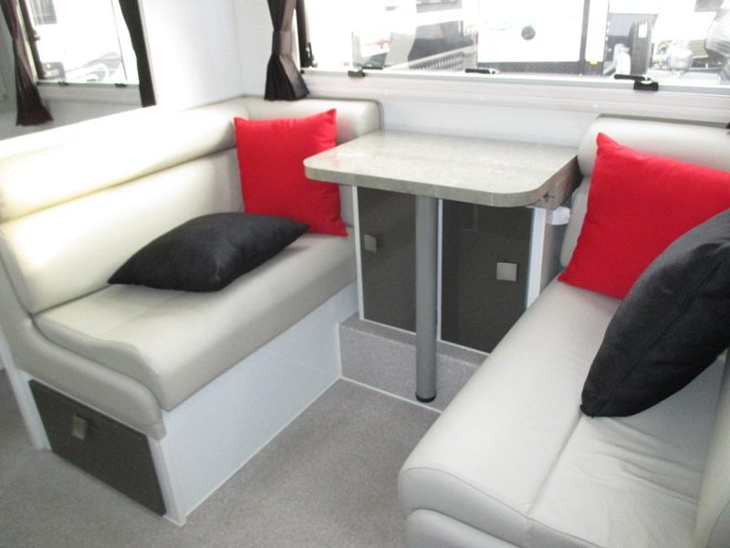 traveller intrigue 21' with full ensuite 383156 014