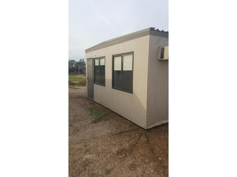 e i group portables used 4.8m x 2.4m 383222 003