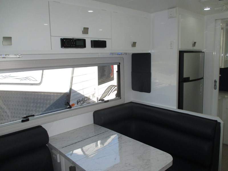 traveller intrigue 19'6  2015 model 383405 007