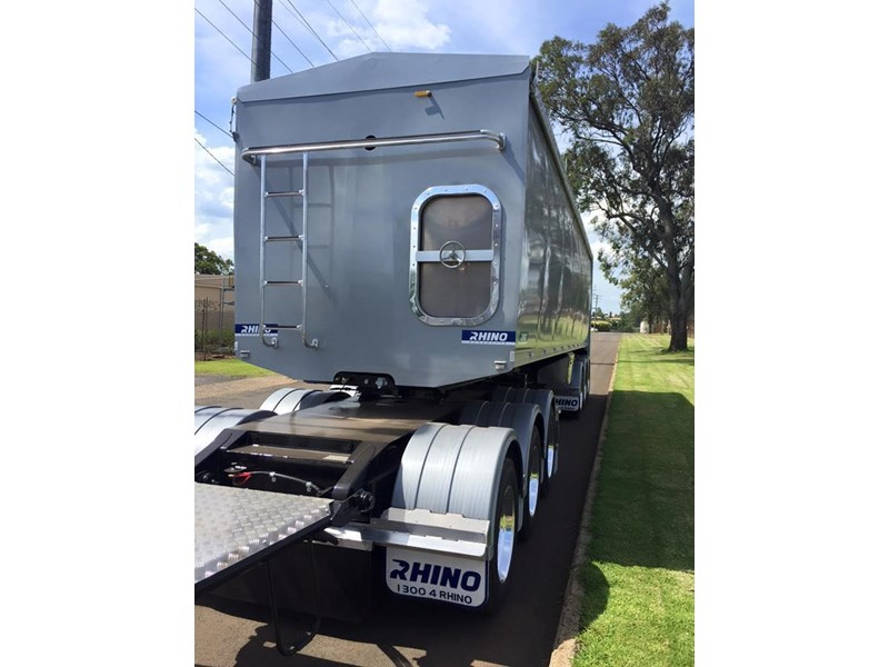 rhino triaxle b double/ road train 140818 006