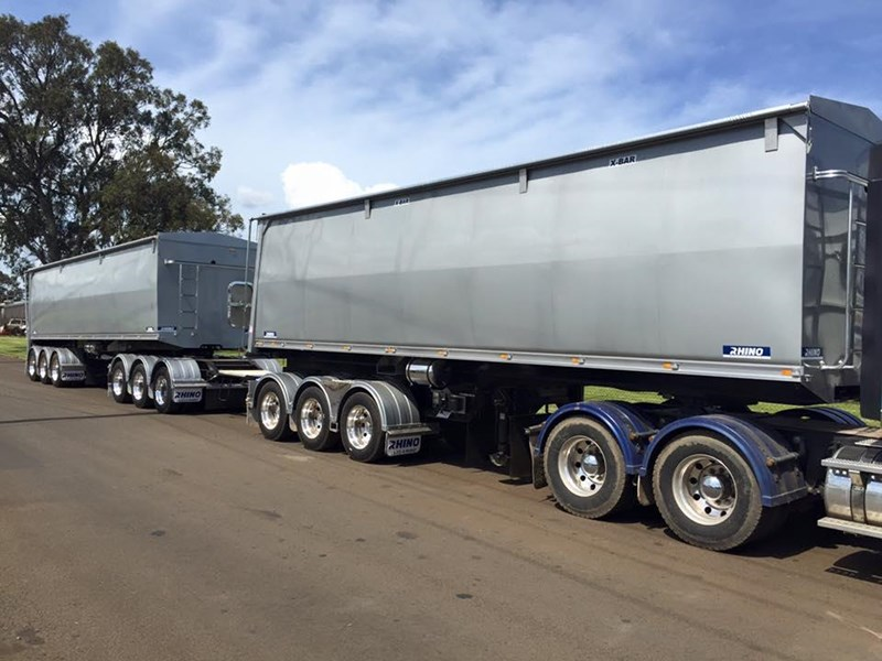rhino triaxle b double/ road train 140818 008
