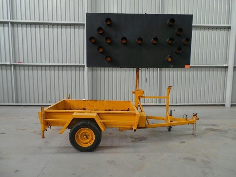 sunshine trailer arrow board 289003 009